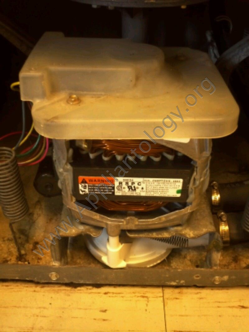 Speed Queen Washer EA2121LA Pump and Belt Replacement, 6 of 6