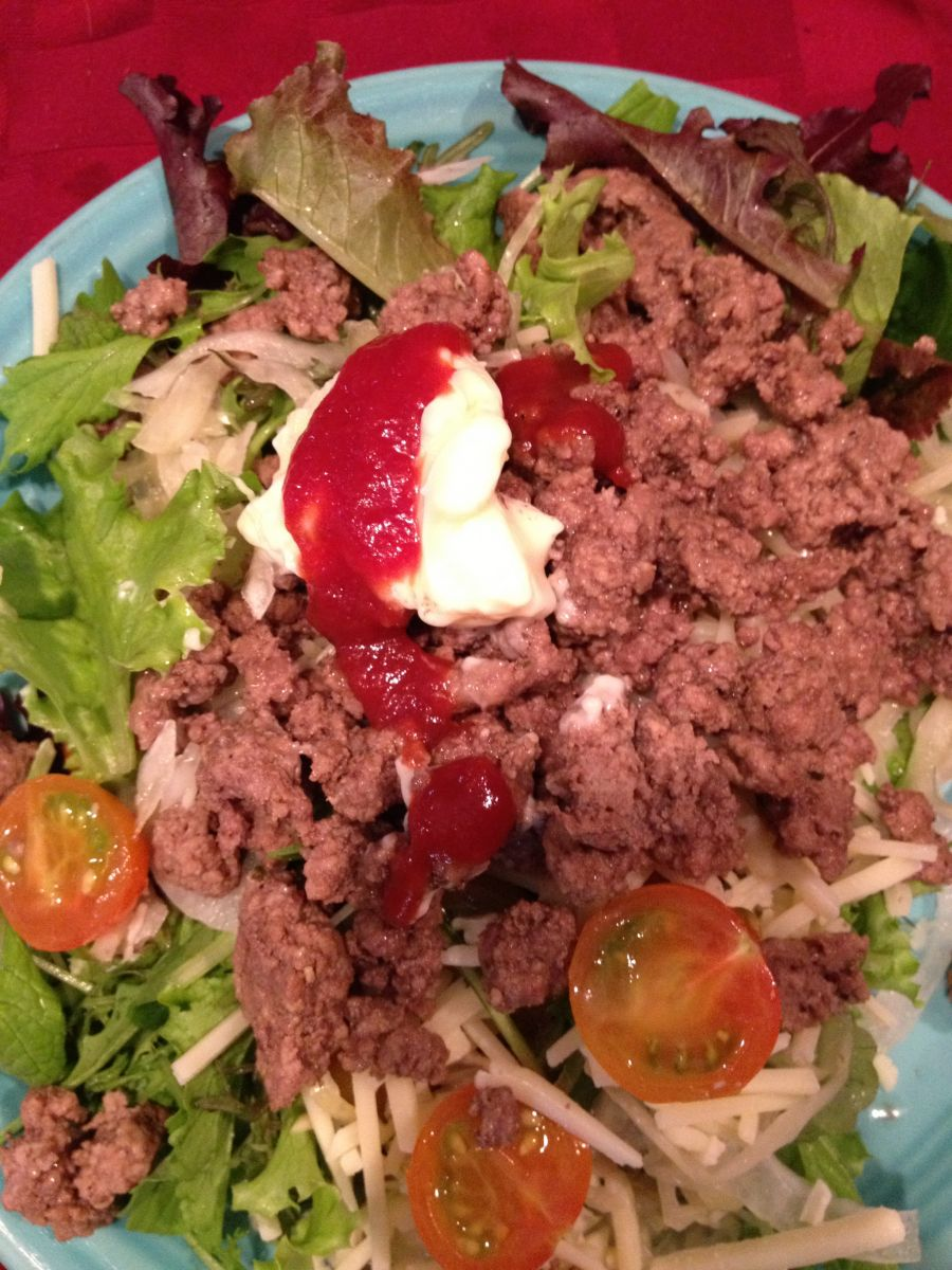 Hamburger salad - close up!